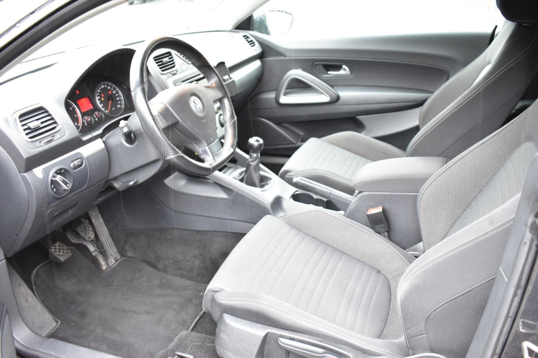 Volkswagen-Scirocco-13